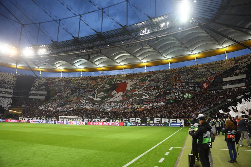 Choreographie der Eintracht Fans - 02.05.2019: Eintracht Frankfurt vs. Chelsea FC London, UEFA Europa League, Halbfinale Hinspiel, Commerzbank Arena DISCLAIMER: DFL regulations prohibit any use of photographs as image sequences and/or quasi-video. *** Choreography of Eintracht fans 02 05 2019 Eintracht Frankfurt vs Chelsea FC London UEFA Europa League Semifinal First leg Commerzbank Arena DISCLAIMER DFL regulations prohibit any use of photographs as image sequences and or quasi video