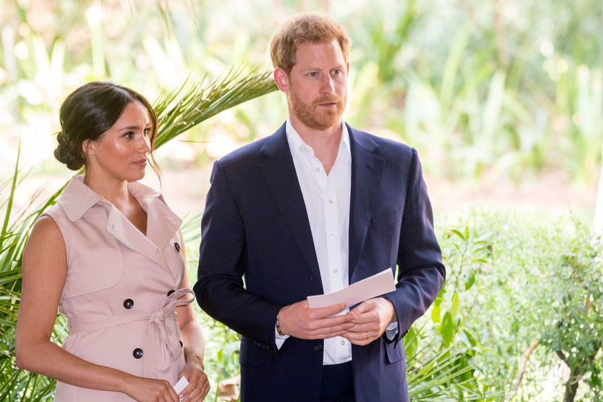 02-10-2019 Britain s Prince Harry and his wife Meghan, the Duke and Duchess of Sussex, at the Creative Industries and Business Reception at the British High Commissioner s residence, in Johannesburg, South Africa. A meeting with representatives of the British and South African business communities, including local youth entrepreneurs on day ten of their tour in Africa. PUBLICATIONxINxGERxSUIxAUTxONLY Copyright: xPPEx