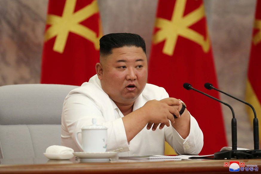North Korean leader Kim Jong Un guides the 14th enlarged meeting of Political Bureau of 7th Central Committee of WPK in this undated photo released on July 2, 2020 by North Korean Central News Agency (KCNA) in Pyongyang. KCNA via REUTERS    ATTENTION EDITORS - THIS IMAGE WAS PROVIDED BY A THIRD PARTY. REUTERS IS UNABLE TO INDEPENDENTLY VERIFY THIS IMAGE. NO THIRD PARTY SALES. SOUTH KOREA OUT.