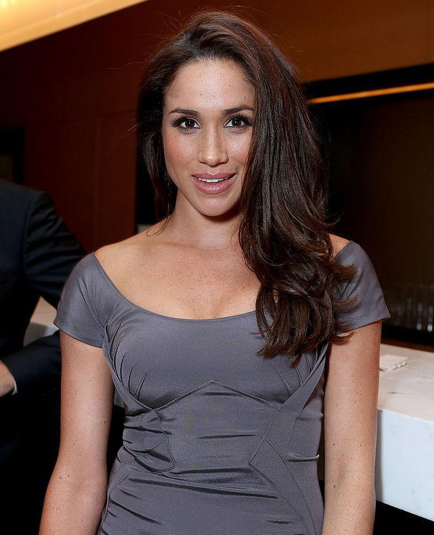 TORONTO, ON - SEPTEMBER 11:  Actress Meghan Markle attends the FINCA Canada Fundraiser At TIFF 2012 during the Toronto International Film Festival on September 11, 2012 in Toronto, Canada.  (Photo by Alexandra Wyman/Getty Images For FINCA)
