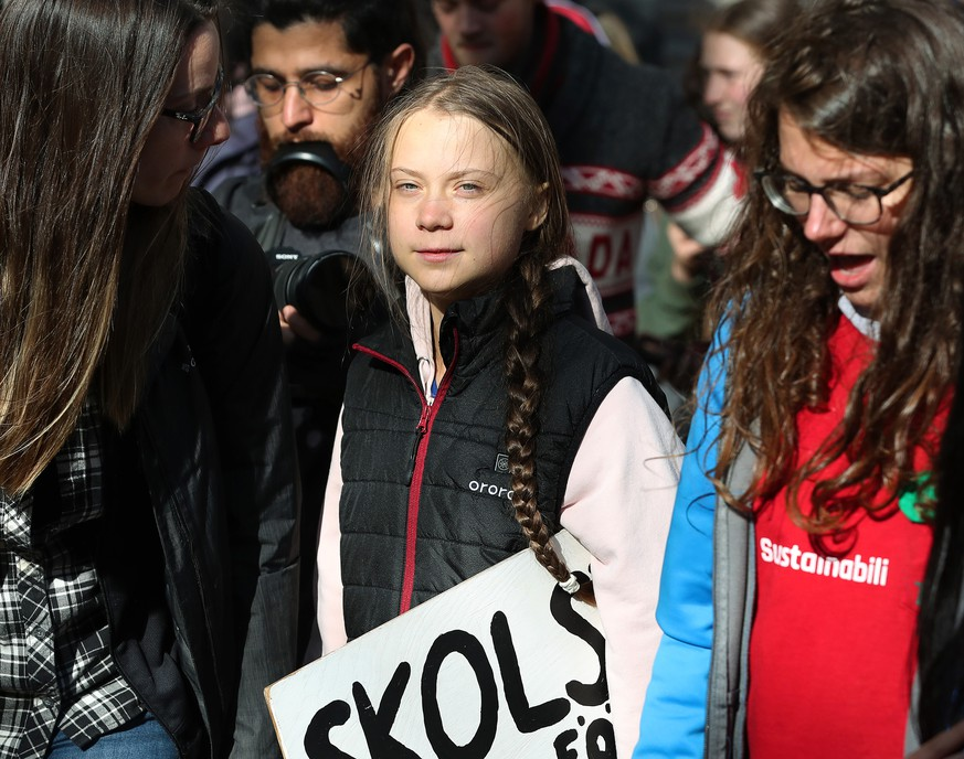 Swedish teen activist Greta Thunberg arrives for the post federal election Friday climate strike march starting and ending at the Vancouver Art Gallery in Vancouver, British Columbia on Friday, October 25, 2019. Organized by local youth-led, Sustainabiliteens, Greta and a turn out of nearly 10,000 climate activists demand action from industry and the various levels of government and are supporting the 15-youth who announced their plans to sue the federal government alleging it has contributed to climate change. PUBLICATIONxINxGERxSUIxAUTxHUNxONLY VAP2019102523 HEINZxRUCKEMANN