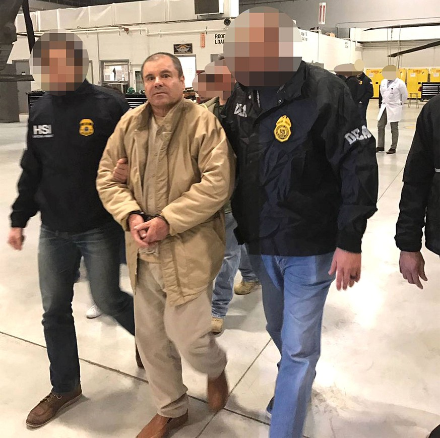 January 19, 2017 - Juarez, Chihuahua, Mexico - JOAQUIN GUZMAN LOERA, the drug lord and chieftain of the Sinaloa cartel known as El Chapo, was extradited to the United States on Thursday January 19, 2017 and flown from a jail in Ciudad Juarez, Mexico to Long Island MacArthur Airport in Islip, New York to face numerous charges. Ciudad Juarez Mexico PUBLICATIONxINxGERxSUIxAUTxONLY - ZUMAp124 20170119_zaa_p124_008 Copyright: xPrensaxInternationalx