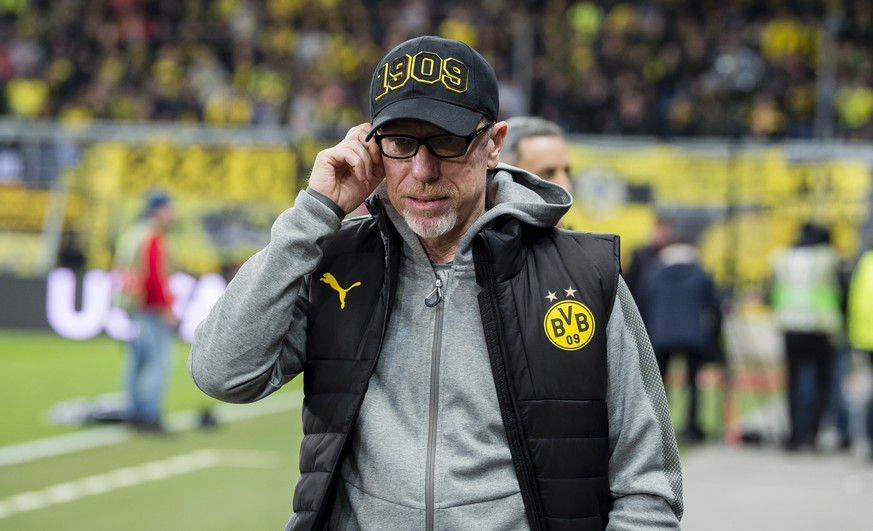 SALZBURG, AUSTRIA - MARCH 15: Peter Stoeger, head coach of Borussia Dortmund, prior to the UEFA Europa League match between FC Red Bull Salzburg and Borussia Dortmund at the Red Bull Arena on March 15, 2018 in Dortmund, Germany.  (Photo by Alexandre Simoes/Borussia Dortmund/Getty Images)